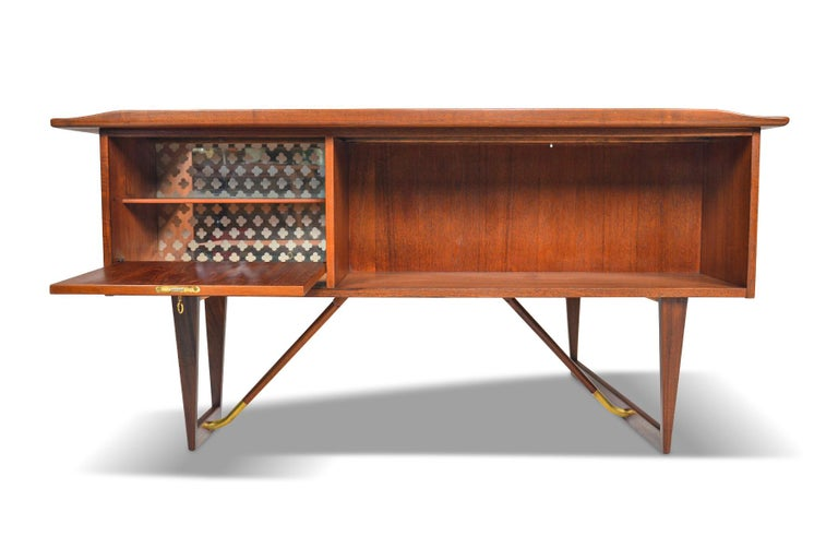 Boomerang Desk in Teak by Peter Lovig Desk For Sale 3