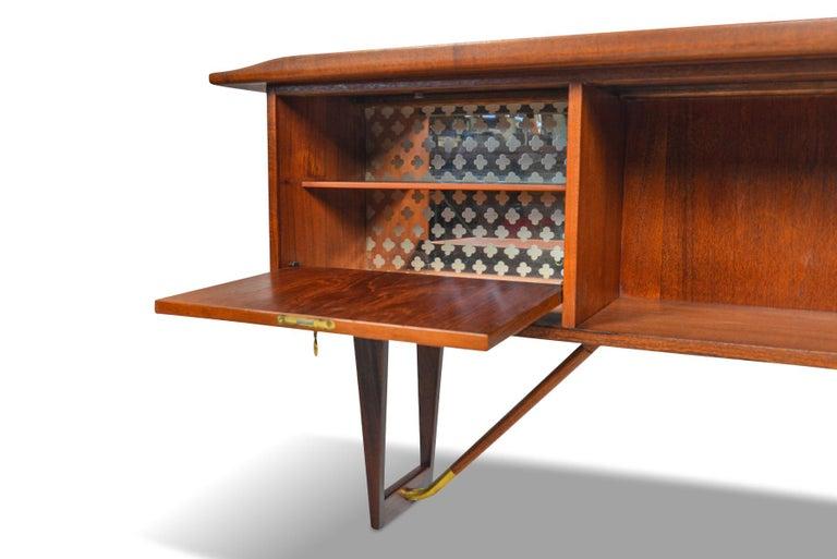 Boomerang Desk in Teak by Peter Lovig Desk For Sale 4