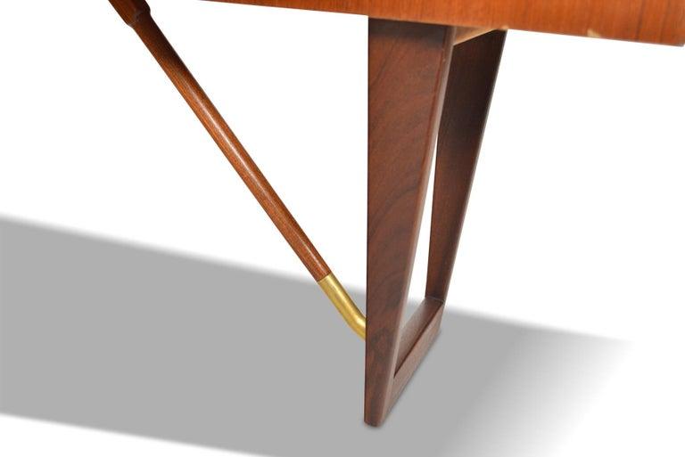 Boomerang Desk in Teak by Peter Lovig Desk In Good Condition For Sale In Berkeley, CA