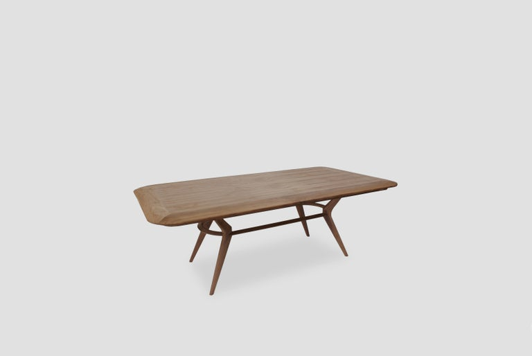Boomerang Walnut Rectangular Dinning Table In New Condition For Sale In Mexico City, MX