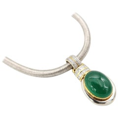 Boon 29.7 Carat Cabouchon Emerald Diamond Pendant Gold Thread Silk Effect Chain