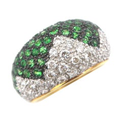 Boon Zigzag Lined Tsavorite and Diamond Pavé 18 Karat Gold Convex Ring