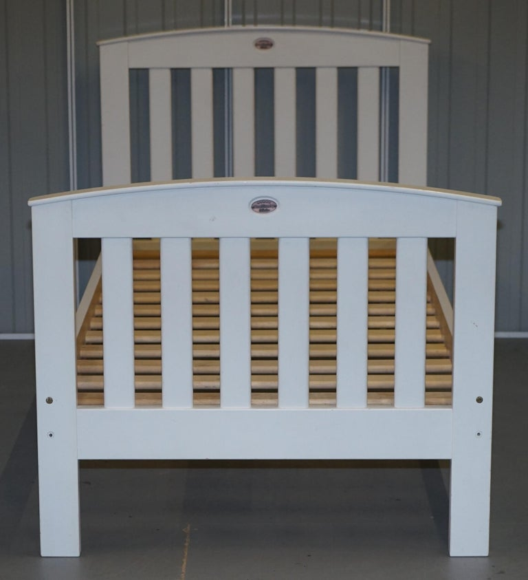 We are delighted to offer for sale this original Boori Country Collection white painted bed frame  A well made and good looking bed frame, its unisex being a simple white, all solid pine, everything is complete and ready to go   This auction