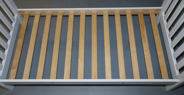 Boori Country Collection White Painted Pine Single Children's Bed Frame In Good Condition For Sale In London, GB
