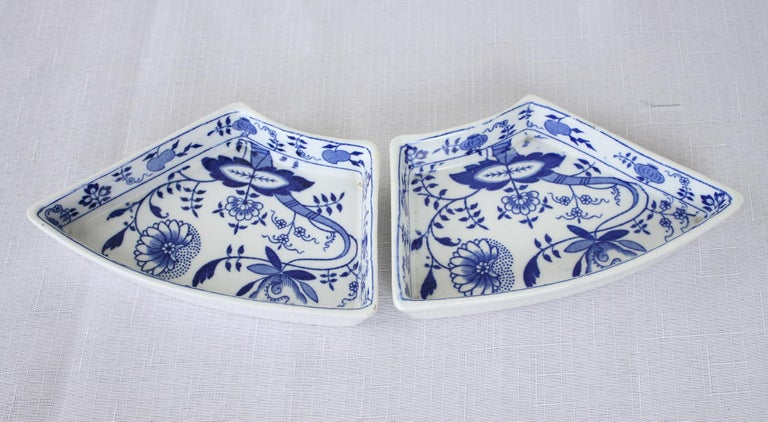 Porcelain Booths 7 Piece