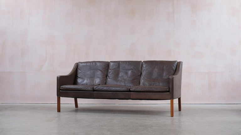 Beautiful example ofBørge Mogensen's classic sofa model 2209 for Fredericia Stolefabrik, Denmark. Designed in 1965, this original sofa is in wonderful condition with soft, thick and supple leather and all down filled cushions. Very elegant and