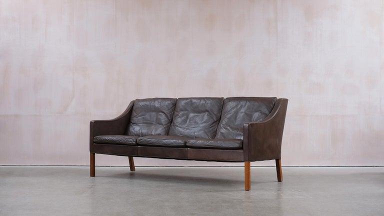 Scandinavian Modern Børge Mogensen 2209 Sofa For Sale