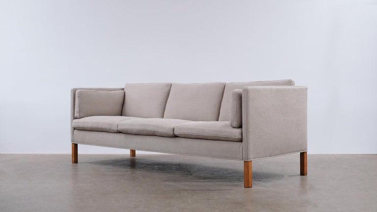 Scandinavian Modern Børge Mogensen 2443 Sofa