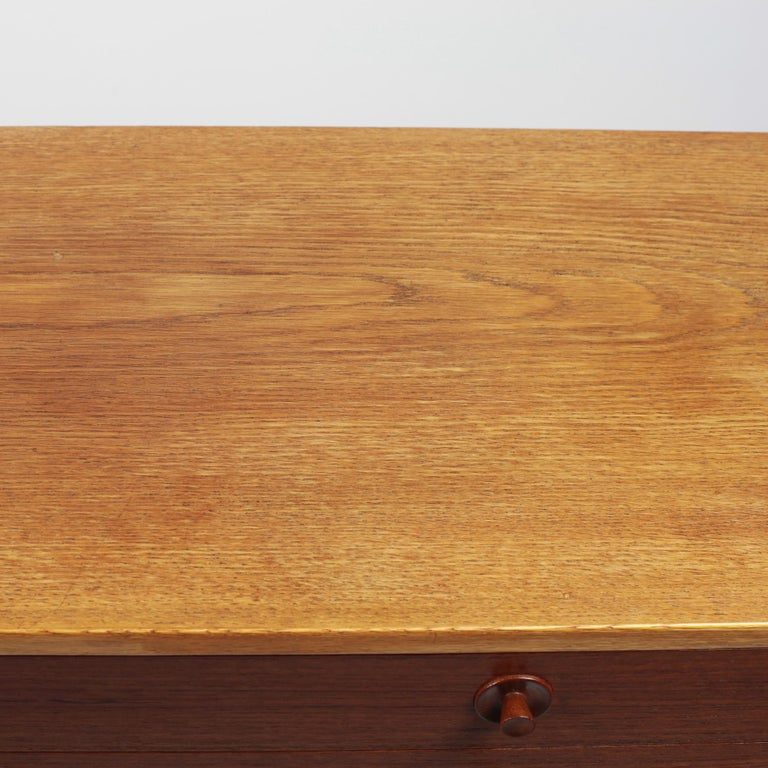 Borge Mogensen Chest of Drawers Oak and Teak For Sale 4