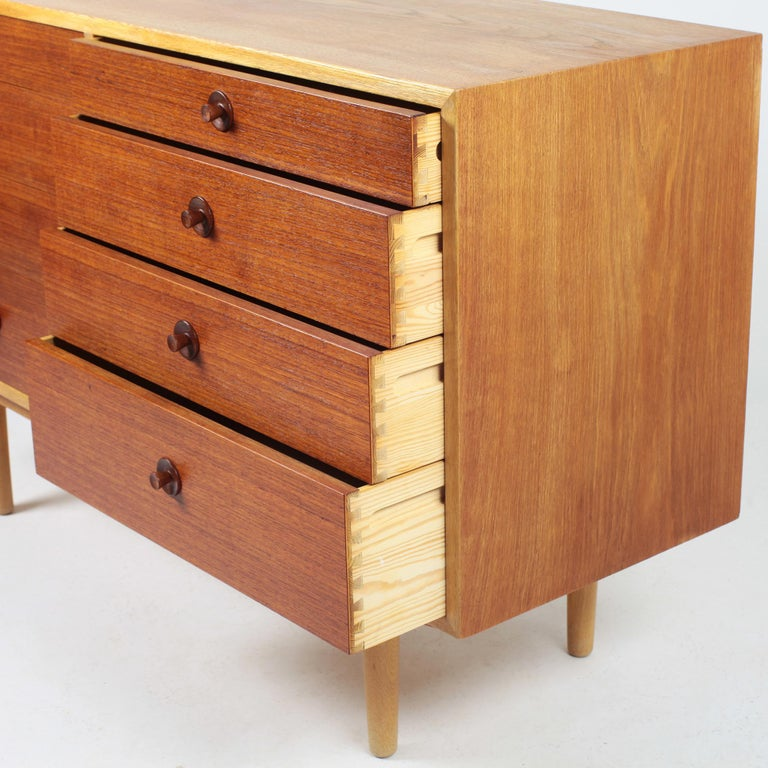 Borge Mogensen Chest of Drawers Oak and Teak In Good Condition For Sale In Saint  Ouen, FR