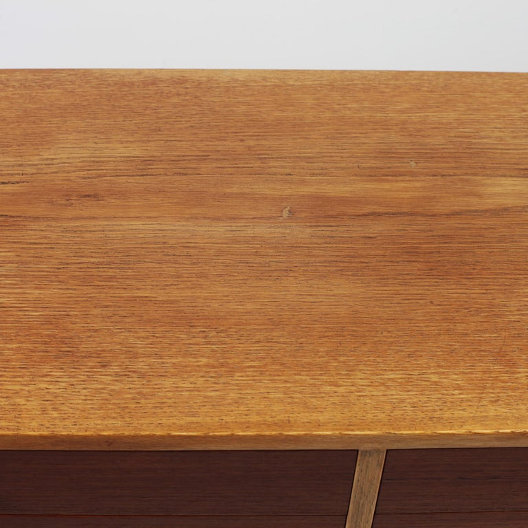 Borge Mogensen Chest of Drawers Oak and Teak For Sale 3