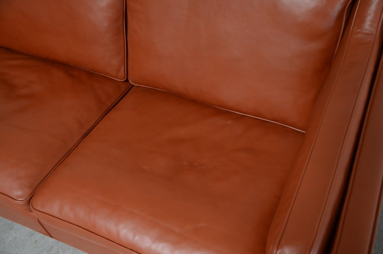 20th Century Borge Mogensen Leather Sofa Model 2212 Red Brandy Cognac for Fredericia For Sale