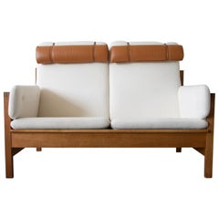 Borge Mogensen Model 225 White Sofa with Oak Frame