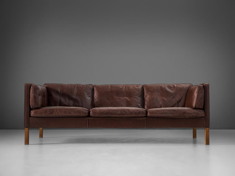 Borge Mogensen Sofa 2443 in Dark Brown Leather In Good Condition For Sale In Waalwijk, NL