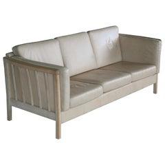 Borge Mogensen Style Three-Seat Spoke-Back Sofa in Oak and Off-White Leather