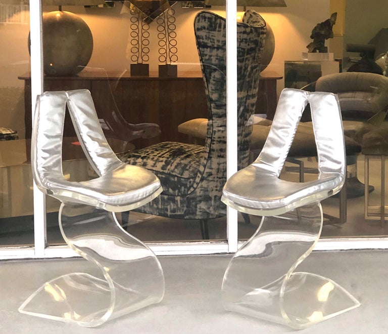 French Boris Tabacoff Pair of Dumas Chairs with Original Silver Upholstery, 1970 For Sale