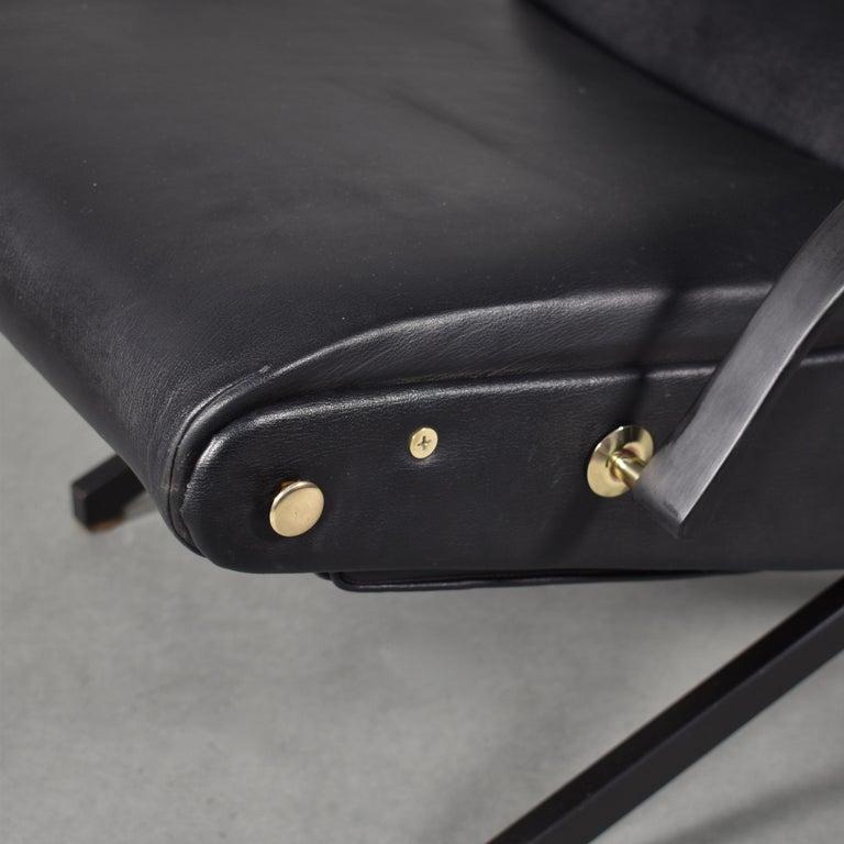Borsani P40 Lounge Chair for Tecno, Italy, circa 1970 For Sale 9