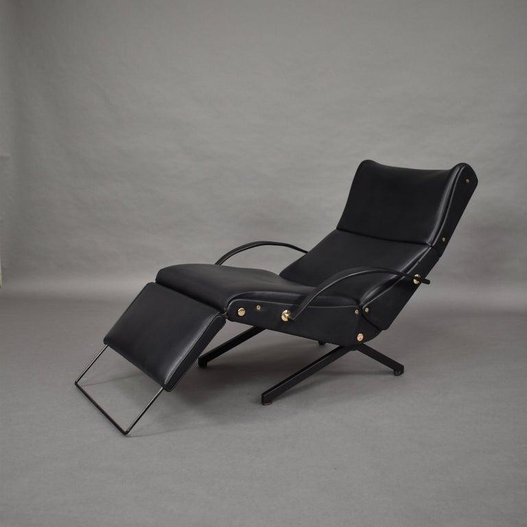 Borsani P40 Lounge Chair for Tecno, Italy, circa 1970 For Sale 2