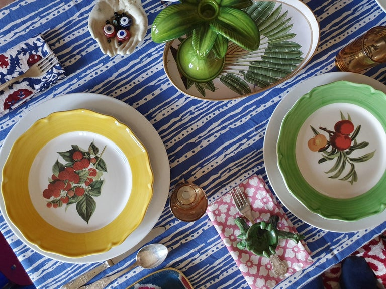 Botanica Hand Painted Ceramic Plates Set of 6 Dinner Plates Made in Italy In New Condition For Sale In ROCCAVIVARA CB, IT
