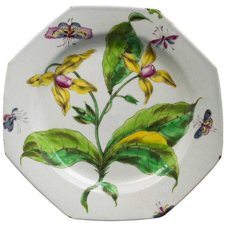 Botanical Bow Plate, circa 1758 In Good Condition For Sale In New York, NY