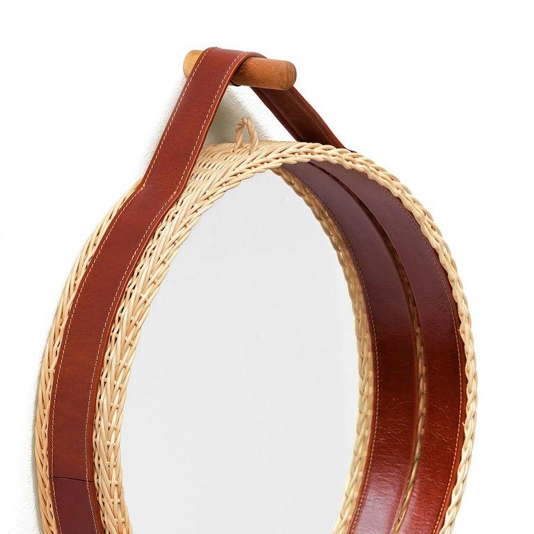 Italian Bottega Intreccio Woven Wicker 21st Century Picnic Mirror, by Maurizio Bernabei For Sale