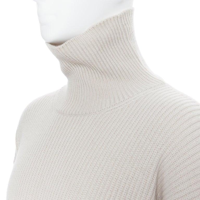 BOTTEGA VENETA 100% cashmere taupe beige oversized turtleneck sweater IT48 M Brand: Bottega Veneta Model Name / Style: Cashmere turtleneck Material: Cashmere Color: Beige Pattern: Solid Extra Detail: Turtleneck. Dropped shoulders. Oversized fit.