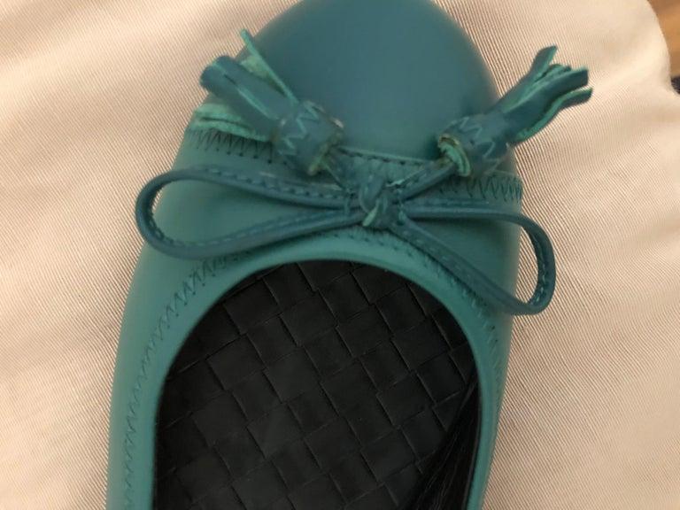 Women's Bottega Veneta Ballerina Flats with Tassels (as new) 39 For Sale