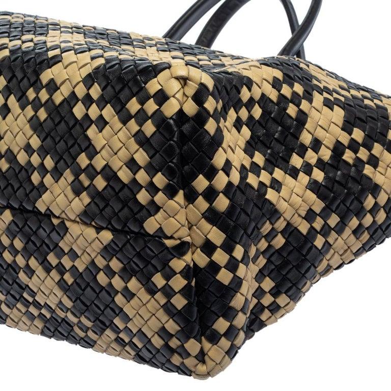 Bottega Veneta Black/Beige Intrecciato Leather Limited Edition 234/500 Cabat Tot 7