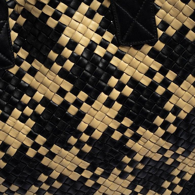 Bottega Veneta Black/Beige Intrecciato Leather Limited Edition 234/500 Cabat Tot 10