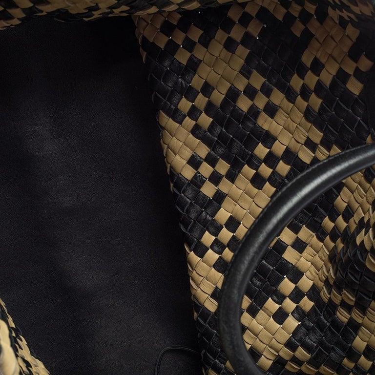 Bottega Veneta Black/Beige Intrecciato Leather Limited Edition 234/500 Cabat Tot 4
