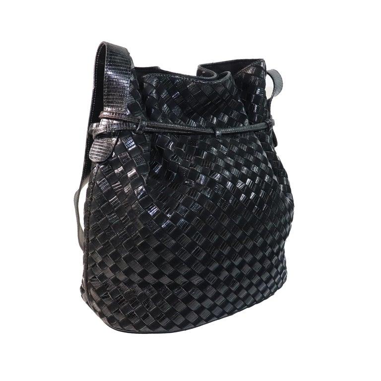 Bottega Veneta Black Classic Woven Drawstring Bag  In Good Condition For Sale In Los Angeles, CA