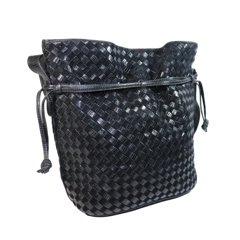 Women's Bottega Veneta Black Classic Woven Drawstring Bag  For Sale