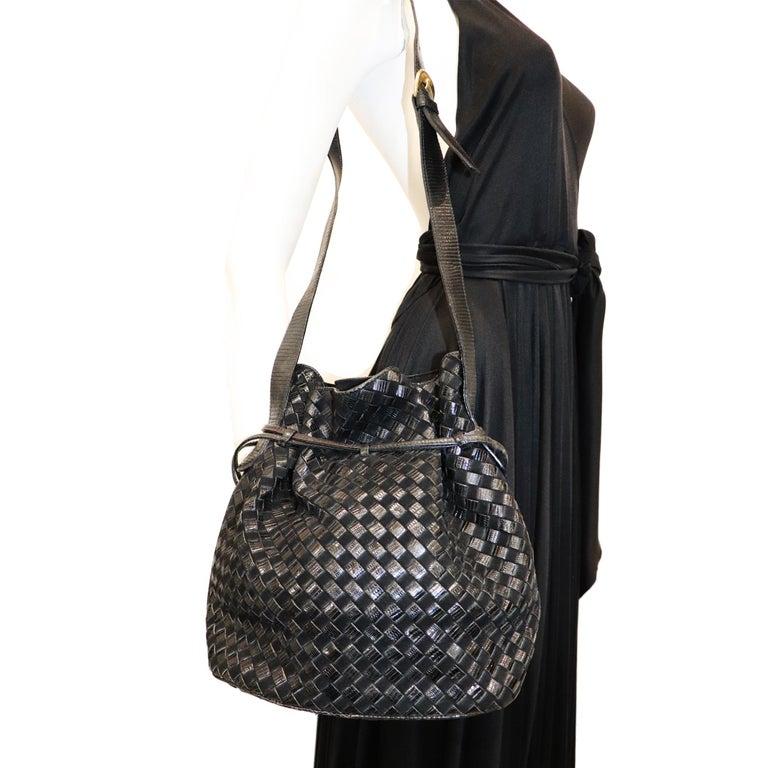 Bottega Veneta Black Classic Woven Drawstring Bag  For Sale 4
