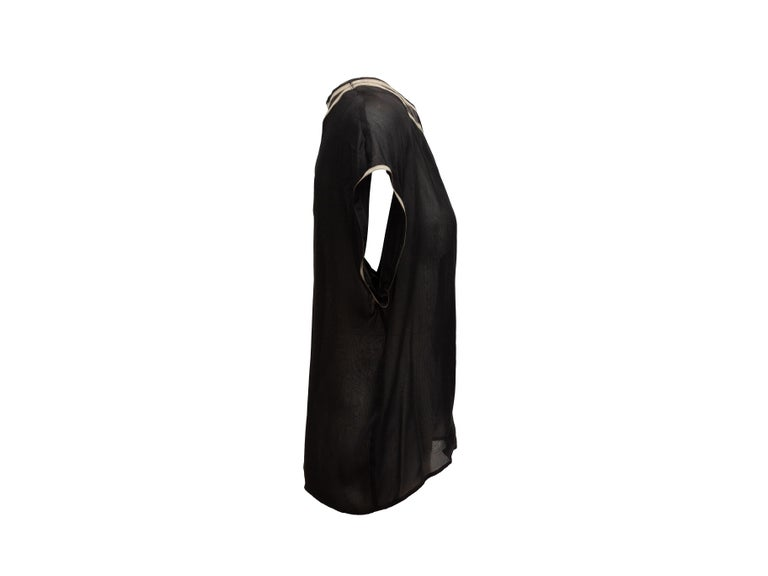 Product details: Black and grey silk sheer top by Bottega Veneta. Crew neckline. Short sleeves. Designer size 44. 40