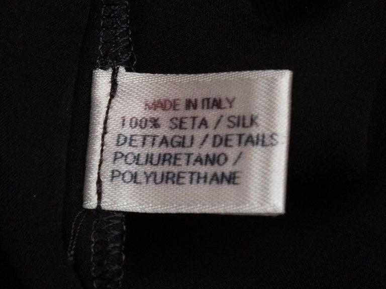 Women's or Men's Bottega Veneta Black & Grey Silk Short Sleeve Top For Sale