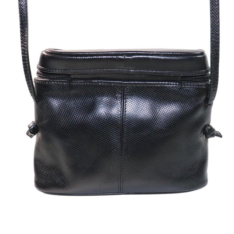 Bottega Veneta Black Half Circle, Binocular Style Crossbody Handbag  In Excellent Condition For Sale In Los Angeles, CA