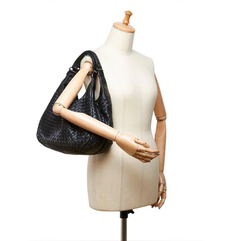 12703f231c72 Bottega Veneta Black Intrecciato Campana Hobo Bag For Sale at 1stdibs