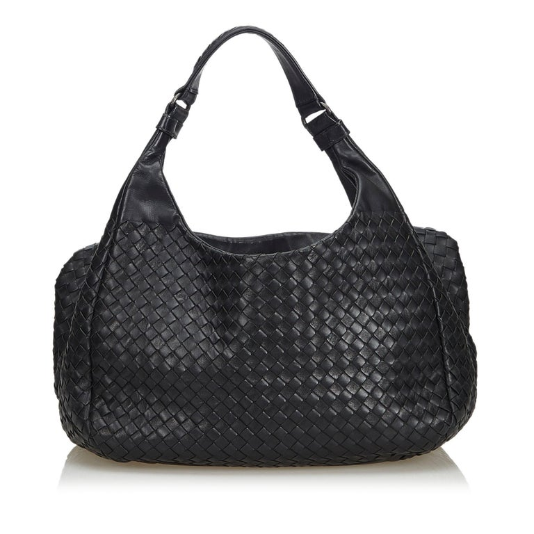 6a5869332abe Bottega Veneta Black Intrecciato Campana Hobo Bag In Good Condition For Sale  In Orlando