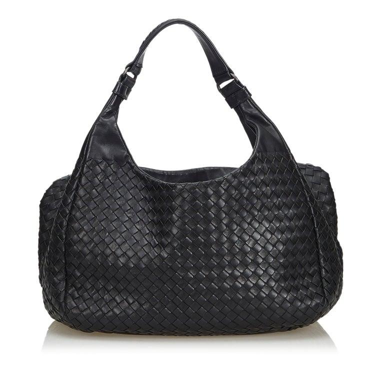 6a5869332abe Bottega Veneta Black Intrecciato Campana Hobo Bag In Good Condition For Sale  In Orlando