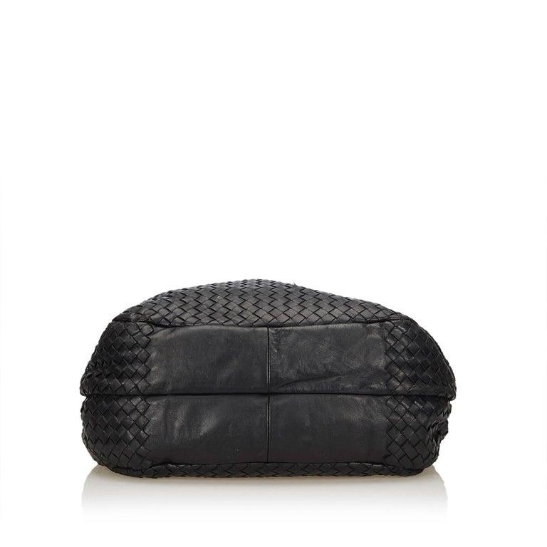 8a54eee2687b Women s or Men s Bottega Veneta Black Intrecciato Campana Hobo Bag For Sale