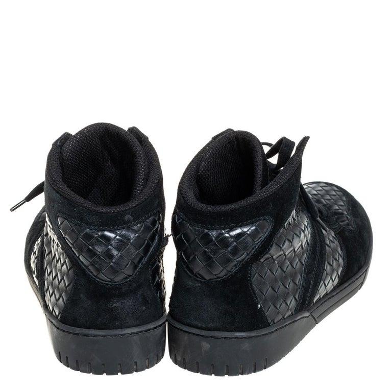 Bottega Veneta Black Intrecciato Leather High Top Lace Up Sneaker Size 43.5 In Good Condition For Sale In Dubai, Al Qouz 2
