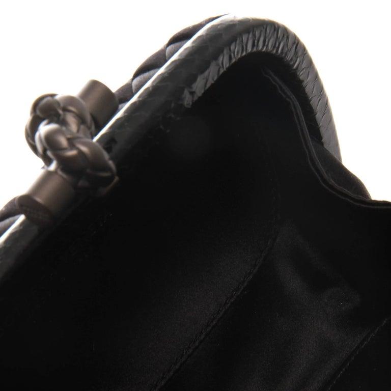 Women's or Men's Bottega Veneta Black Intrecciato Satin Knot Clutch For Sale
