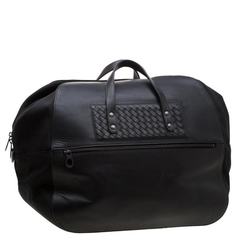 Men's Bottega Veneta Black Nylon and Leather Duffle Bag For Sale