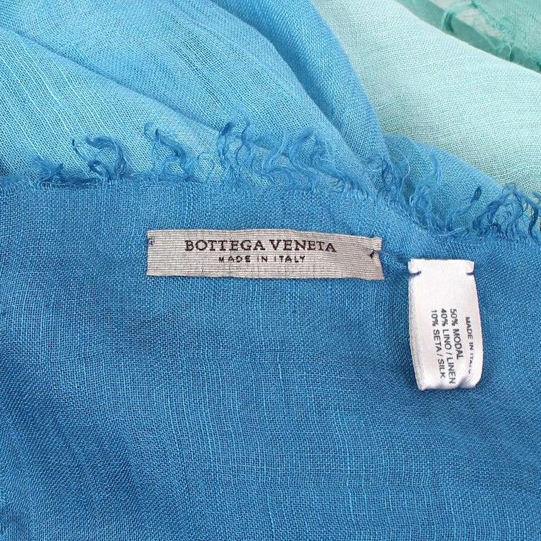 BOTTEGA VENETA blue green linen silk TIE-DYE Scarf Shawl In Excellent Condition For Sale In Zürich, CH