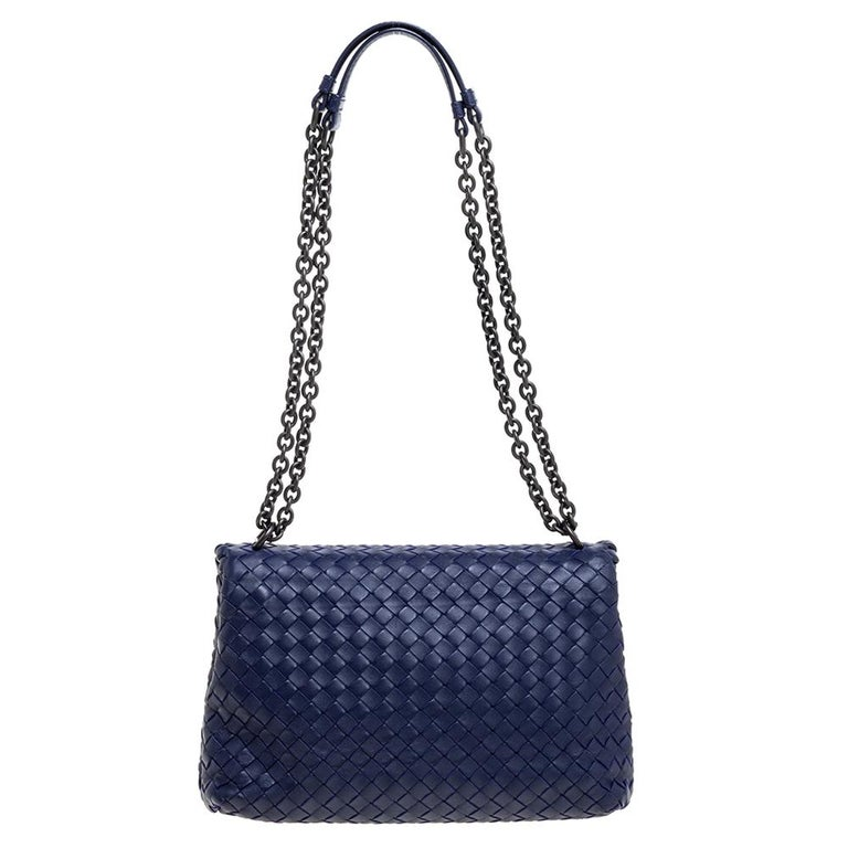 Bottega Veneta Blue Intrecciato Leather Small Olimpia Shoulder Bag In Good Condition For Sale In Dubai, Al Qouz 2
