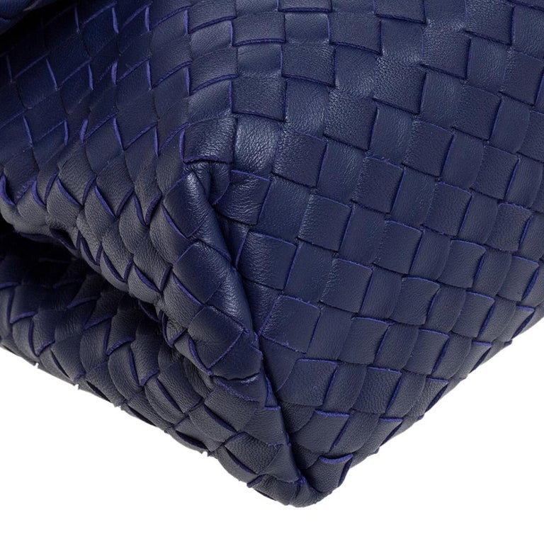Bottega Veneta Blue Intrecciato Leather Small Olimpia Shoulder Bag For Sale 3