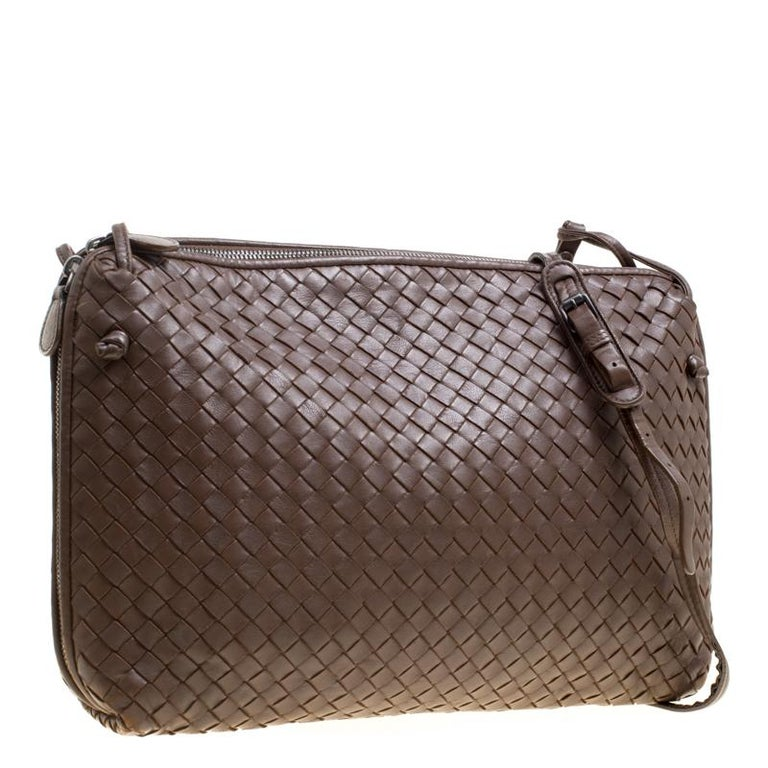 Bottega Veneta Brown Intrecciato Leather Nodini Shoulder Bag In Good  Condition For Sale In Dubai d102669b9ff1f