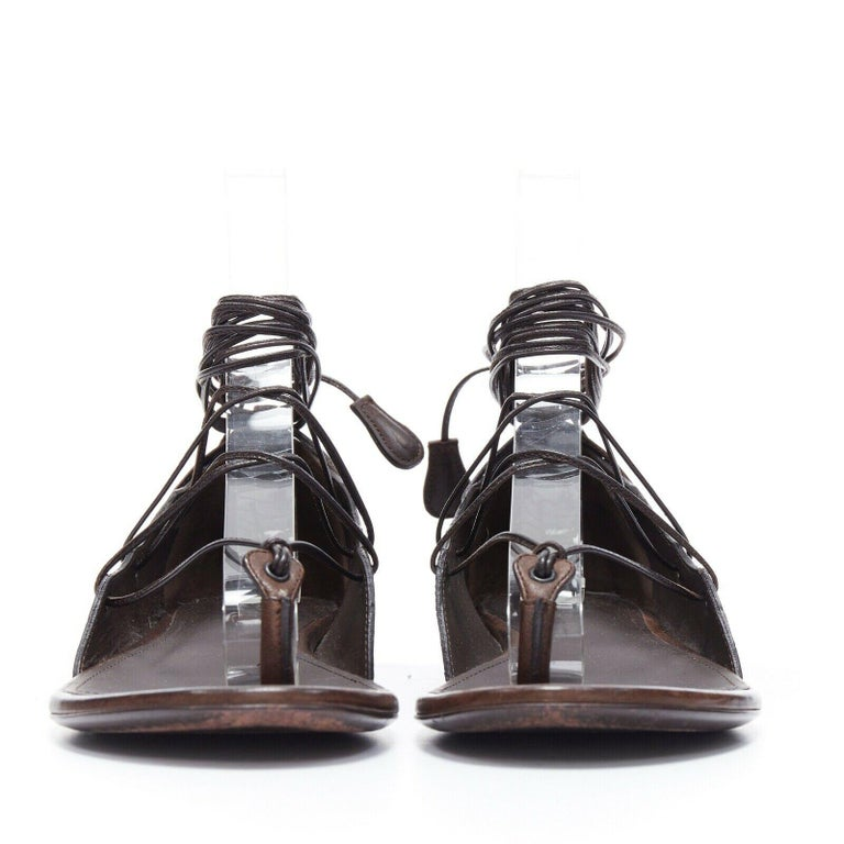 BOTTEGA VENETA brown intrecciato woven leather lace up thong flat sandals EU37 In Excellent Condition For Sale In Hong Kong, NT