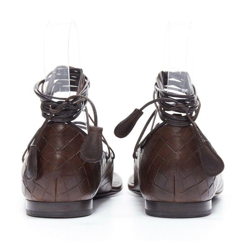 BOTTEGA VENETA brown intrecciato woven leather lace up thong flat sandals EU37 For Sale 1