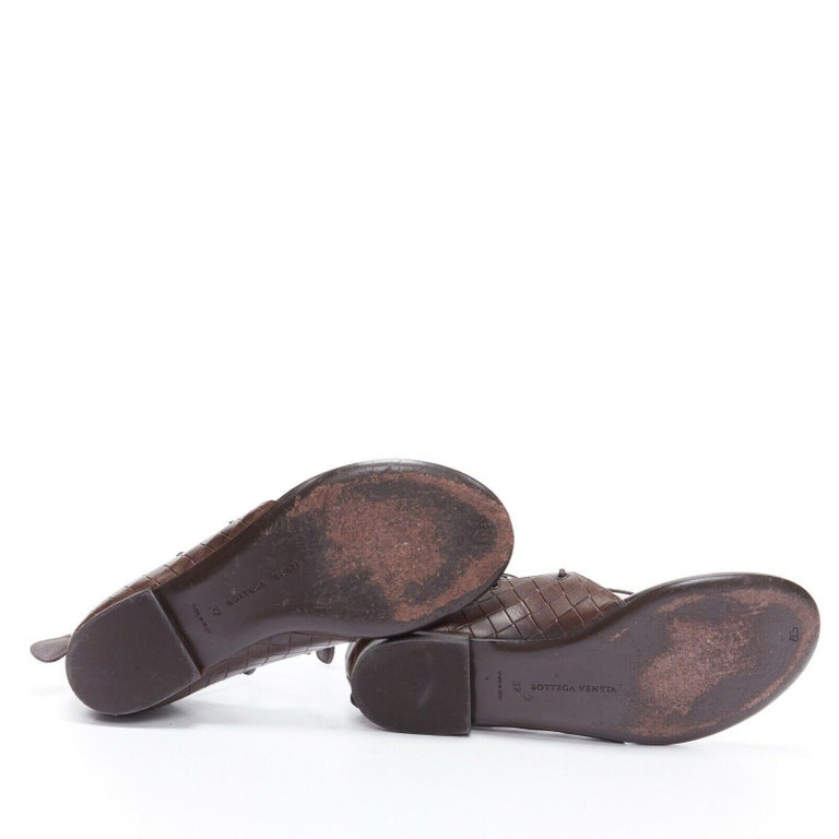 BOTTEGA VENETA brown intrecciato woven leather lace up thong flat sandals EU37 For Sale 2